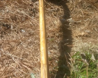 pole-arm wooden staffs, fits with reverse blade sword, white on cream