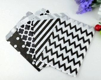 10 bags in kraft polka dot or chevron paper