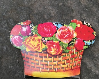 Vintage | Flower Basket Shaped Needle Book