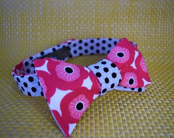 Pink Poppies/Black and White Lattice Bow Tie