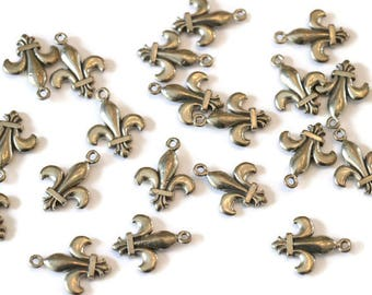 Piece of Tin reversible Lily for making jewelry LoB-30 (20 pieces)
