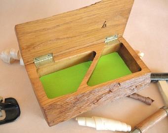 Box jewelry box in oak