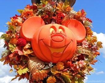 Disney; Mickey Mouse; Disney Halloween; Disney World; Theme Parks; Disney Wreath