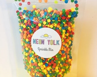 Edible Sprinkles - Primary Confetti Quin Sprinkles, edible cake and cookie decorations