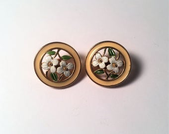 Vintage Gold Tone Flower Clip On Earrings, Clip On Earrings, Jewelry, Costume Earrings, Flower Earrings, Earrings, Vintage, Spring Jewelry
