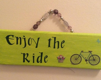 Enjoy the Ride Wall Decor (green)