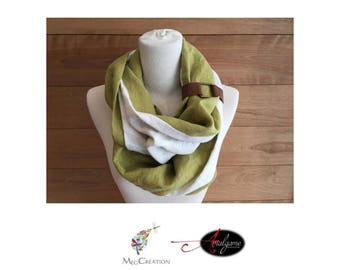 Scarf in linen with leather strap