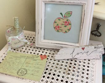 Shabby Chic Teacher Gift Personalised distressed  Apple Design  picture Frame / photo Frame