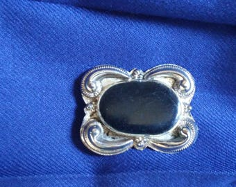 CLEARANCE! 60's Black Rock Beautiful Silver Brooch