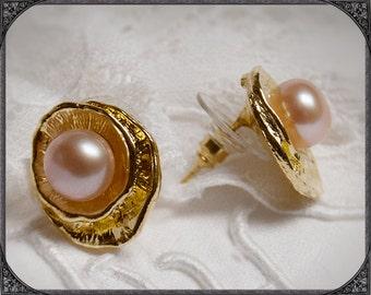 Freshwater Pearl earstuds Shells rosé