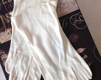 Women's Vintage White Cotton Prom, Evening, Wedding, Formal, Driving Gloves