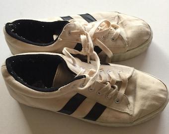 90's Platform canvas tennis shoes Vintage sneakers size women's 9.5