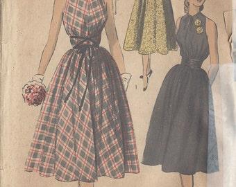 "1950s Vintage Sewing Pattern DRESS B30"" (R515) Advance 5812"