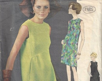 1960s Vintage VOGUE Sewing Pattern B34 DRESS (1785) SIMONETTA of Italy Vogue 1823