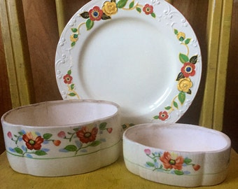 Pretty little trio of vintage floral ceramics
