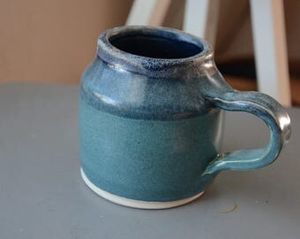 Coffee/Tea Mug in Sea Green with Blue Details Variation 1