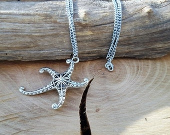 Starfish necklace with pendant