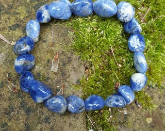 stretch tumbled sodalite bracelet for chakra healing - throat chakra - 3rd eye chakra