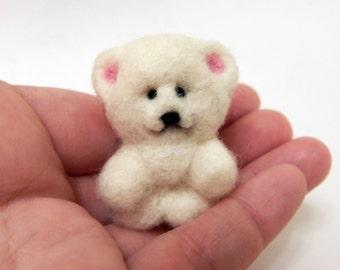 Needle felted, Polar Bear, White Bear, enjoyable toy, handmade miniature, soft sculpture, pretty animals, pet Collectible dolls, woolen toy