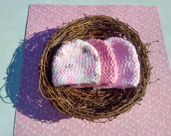 Single Preemie Girl Classic Crocheted Beanie. Hat sizes 0, 1, 2 and 3.