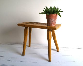 Beautiful vintage small ocher side table