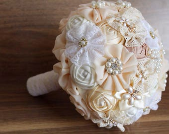 Brooch bouquet. Ivory brooch bouquet, fabric bouquet, wedding bouquet.