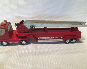 """Vintage 1970s Nylint Pressed Steel Aerial Hook-N-Ladder 30"""" Toy Fire Truck"""