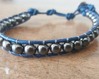 Men's bracelet with leather cord and hematite