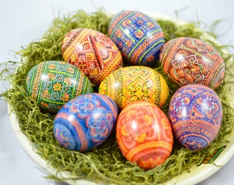 8 wooden eggs – pysanky