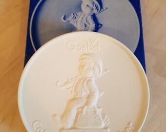 "Goebel Collector's Club Ceramic Medallion of ""The Wanderer"" - circa 1978"
