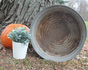 Vintage Round Galvanized Wash Tub