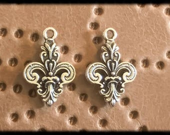 Beautiful Antique Silver Flur De Lis  Drop Charm - 25mm - Pair - B25