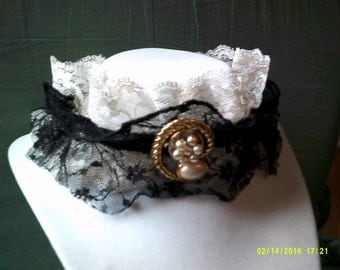 Steampunk Choker, Victorian Style Lace Choker with Vintage Cameo-style Pendant