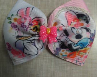 Disney Daisy Duck and Minnie Mouse Pink Bow
