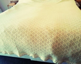 Vintage Witney blanket Lemon yellow wool acrylic woven design cellular lightweight summer throw satin trim double king size bed