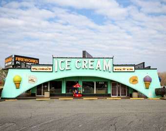 Tourist Treats, color photograph of an ice cream parlor at the South of the Border tourist trap