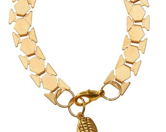 Gold-plated brass bracelet with a wing pendant