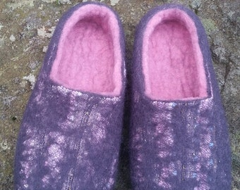 Grey pink snake skin efect woman's wool felted slippers