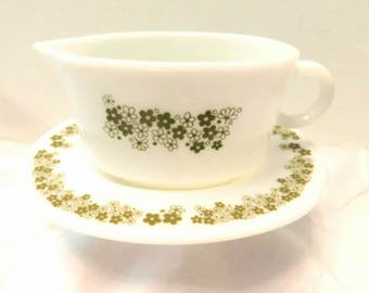 1960s PYREX  gravy boat with saucer Spring Blossom pattern SHIPPING INCLUDED
