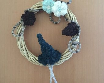 Outdoor Garland with crochet decorations