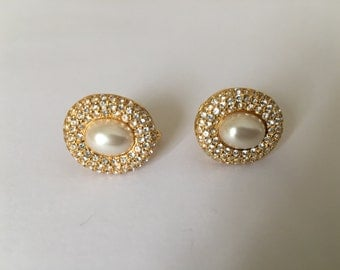 Beautiful Vintage Napier Goldtone Rhinestones Faux Pearl Screw Back Earrings