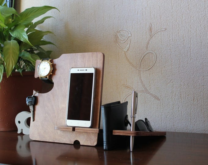 Personalized Gift for Him, Custom Gift for Dad from Daughter, Fathers Day Gift, Gift for Him from Wife, Gift for Men, iPhone Docking Station