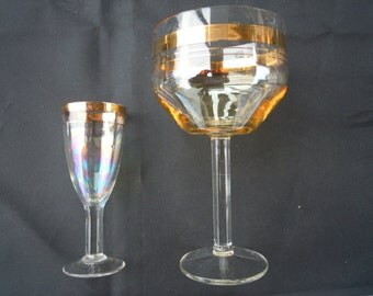Wineglass vintage. Set of 16 pieces - 8 smaller & 8 larger Wineglass.