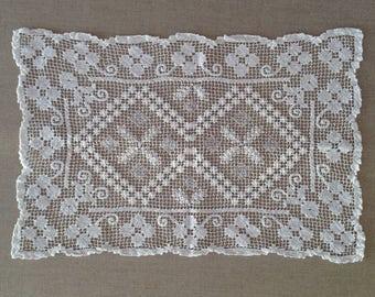 Vintage crochet doily c1940s