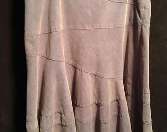 Super cute ruffle skirt size 10 DKNY