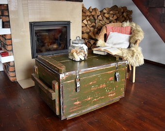 Vintage Antique Old  Military  Army Chest Trunk Box green  loft industrial end table coffee table  steel and wood