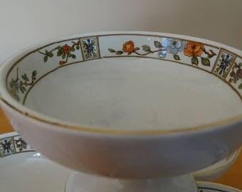 4 Pedestal Dessert Dishes, Mid-Century, Sherbet, Custard Cups, Dessert Bowl, White with Gold Trim and Floral Design