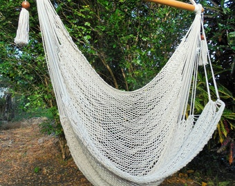 Hand-woven hammock chair with cotton and wood
