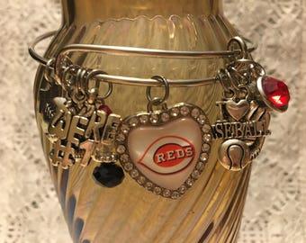 Cincinnati Reds Charm Bangle Bracelet/Cincinnati Reds/Cincinnati Reds Jewelry/Reds Fan Gift/Reds Fan Gear/Reds Baseball/Cincinnati Fans