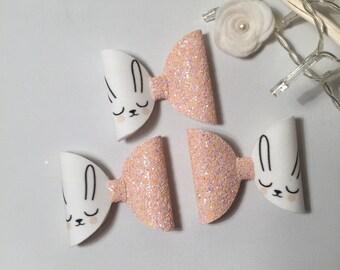 Sleepy bunny glitter bow
